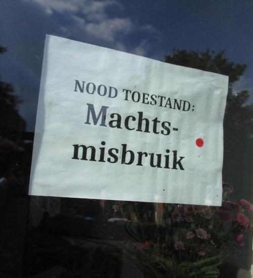 Dictatuur in NL dreigt …